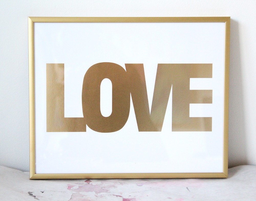 SMALL GOLD LOVE PRINT